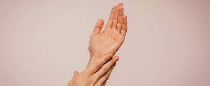 Profhilo handen laten behandelen filler SkinMedix.nl